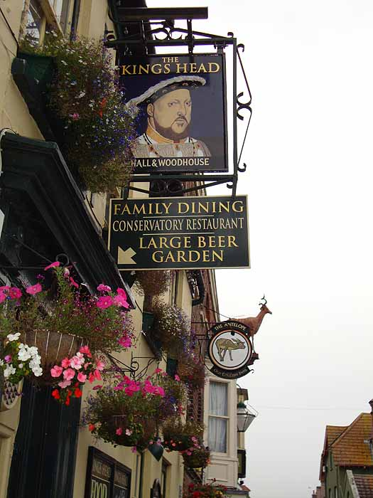 Pubs Signs, UK The King's Head, Poole