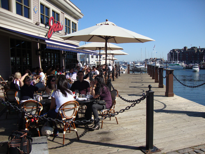 Pubs and Restaurants Waterfront Joe's American Bar & Grill, Commercial Wharf